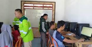 Pelatihan komputer untuk warga wawonii